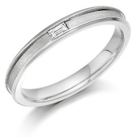 18ct White Gold Ladies 3mm Wedding Ring with Centre Groove and Channel Set with 6pt Baguette Diamond