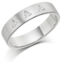 Platinum Ladies 4mm Wedding Ring Set with 3 Triangle Diamonds, Total Weight 9pts