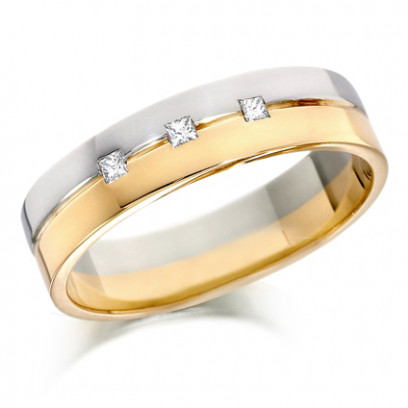 18ct Yellow and White Gold Gents 6mm Wedding Ring with Grooved Centre and Set with 3 Princess Cut Diamonds, Total Weight 10pts