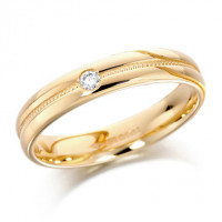 18ct Yellow Gold Ladies 4mm Wedding Ring with Grooved and Beaded Centre and  Set with Single 5pt Diamond