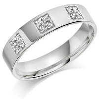 9ct White Gold Gents 5mm Wedding Ring Set with 12pts of Diamonds in 3 Square Boxes
