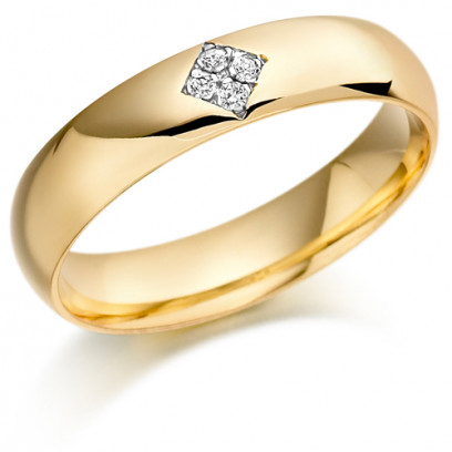 9ct Yellow Gold Gents 5mm Wedding Ring Set with 6pts of Diamonds in a Diamond Shape Box