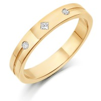 9ct Yellow Gold Ladies 3mm Wedding Ring Set with a Princess Cut and 2 Round Diamonds Weighing a Total of 4pts