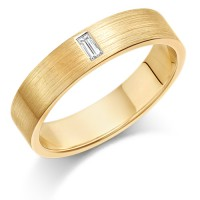 18ct Yellow Gold Ladies 4mm Wedding Ring Set with Single Baguette Diamond Weighing 5pts