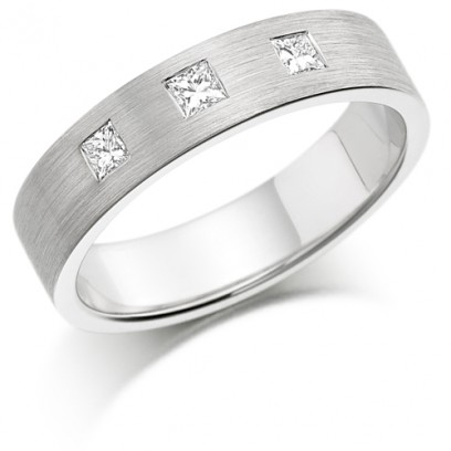 9ct White Gold Ladies 4mm Wedding Ring Set with 3 Princess Cut Diamonds, total weight 0.30ct