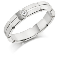9ct White Gold Gents 5mm Wedding Ring with Centre Groove and Set with 7pt Round Diamond