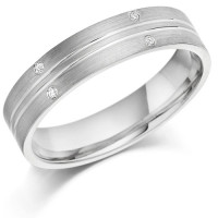 18ct White Gold Gents 5mm Wedding Ring with 2 Parallell Grooves and Set with 3pts of Diamonds