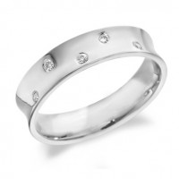 9ct White Gold Gents 5mm Concave Wedding Ring Set with 5 Alternate Set Diamonds, Total Weight 10pts