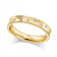 9ct Yellow Gold Ladies 4mm Concave Wedding Ring with Set with 5 Alternate Set Diamonds, Total Weight 7pts
