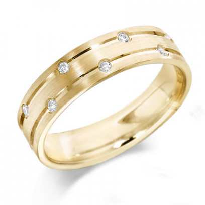9ct Yellow Gold Gents 6mm Wedding Ring with Parallell Grooves and Set with 7 Alternate Set Diamonds, Total Weight 10pts