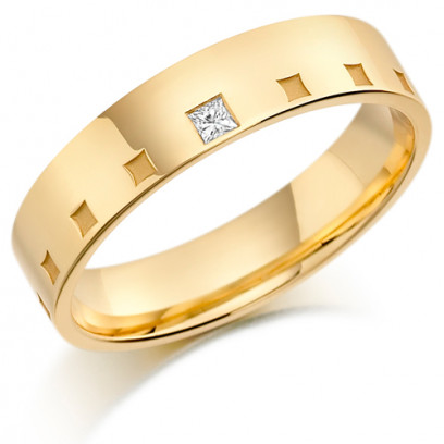 9ct Yellow Gold Gents 5mm Wedding Ring Frosted Squares All Around and Set with 5pt Princess Cut Diamond