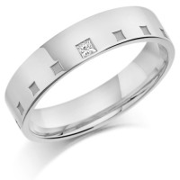 18ct White Gold Gents 5mm Wedding Ring Frosted Squares All Around and Set with 5pt Princess Cut Diamond