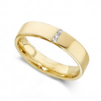 18ct Yellow Gold Ladies 4mm Wedding Ring with 3 Channel Set Diamonds, Total Weight 3pts