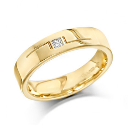 9ct Yellow Gold Gents 5mm Wedding Ring with L-Shape Pattern and Set with Single 5pt Princess Cut Diamond
