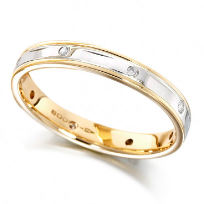18ct Yellow and White Gold Ladies 4mm Wedding Ring with Alternate Diamond and Flat Cuts All Around, Total Diamond Weight 6pts