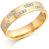 18ct Yellow Gold Gents 5mm Wedding Ring Set with 7.5pts of Diamonds in Rectangular Pattern