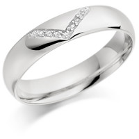 9ct White Gold Gents 5mm Wedding Ring with Diamond V-Shape Pattern Set with 4.5pts of Diamonds