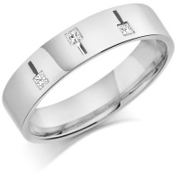 18ct White Gold Gents 5mm Wedding Ring Set with 3 Princess Cut  Diamonds Weighing a Total of 11pts