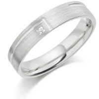 18ct White Gold Ladies 4mm Wedding Ring with L-Shape Groove and Set with 2pt Princess Cut Diamond