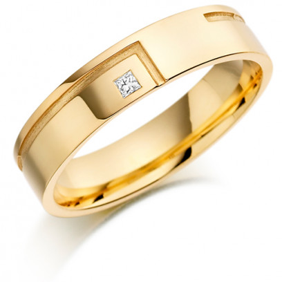 18ct Yellow Gold Gents 5mm Wedding Ring with L-Shape Groove and Set with 3pt Princess Cut Diamond