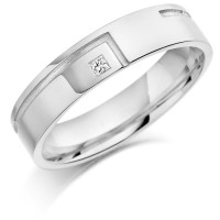 18ct White Gold Gents 5mm Wedding Ring with L-Shape Groove and Set with 3pt Princess Cut Diamond