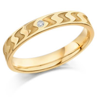 9ct Yellow Gold Ladies 3mm Wedding Ring with Frosted S-Shape Pattern and Set with 1pt of Diamonds