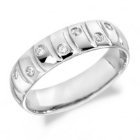 9ct White Gold Gents 6mm Wedding Ring with Curved Grooves and 14pts of Alternate Set Diamonds