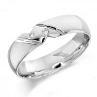 18ct White Gold Gents 6mm Wedding Ring with Diagonal Pattern and Set with 2 Diamonds, Total Weight 4pts