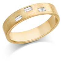 9ct Yellow Gold Ladies 4mm Wedding Ring Set with 3 Baguette Diamonds, Total Weight 12pts