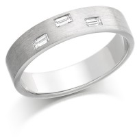 18ct White Gold Ladies 4mm Wedding Ring Set with 3 Baguette Diamonds, Total Weight 12pts