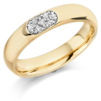 18ct Yellow Gold Ladies 4mm Wedding Ring Set with 7pts of Diamonds in an Oval Shape Box