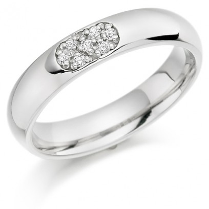 9ct White Gold Ladies 4mm Wedding Ring Set with 7pts of Diamonds in an Oval Shape Box