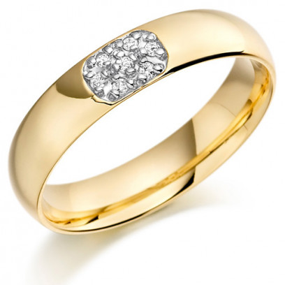 9ct Yellow Gold Gents 5mm Wedding Ring Set with 10pts of Diamonds in an Oval Shape Box