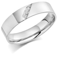 9ct White Gold Gents 5mm Wedding Ring with 3 Diamonds Diagonally Set Across Weighing a Total of 4.5pts