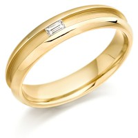 9ct Yellow Gold Ladies 4mm Wedding Ring with Centre Groove and Channel Set with 7pt Baguette Diamond