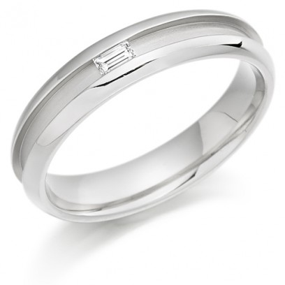 9ct White Gold Ladies 4mm Wedding Ring with Centre Groove and Channel Set with 7pt Baguette Diamond