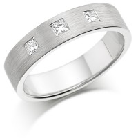Palladium Ladies 4mm Wedding Ring Set with 3 Princess Cut Diamonds, total weight 0.30ct