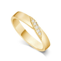 9ct Yellow Gold Ladies 4mm Wedding Band Ring with a Diagonal Leaf Set with 0.05ct of Diamonds