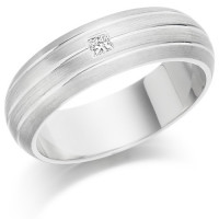 Gents 6mm 18ct White Gold Ring with 3 Parallel Lines and Set with a Single 5pt Princess Cut Diamond
