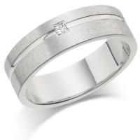 Gents 6mm 18ct White Gold Ring with Shiny Groove and Set with a Single 5pt Princess Cut Diamond