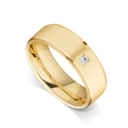 9ct Yellow Gold Gents Flat Court Wedding Ring with a Grooved Edge Set with 0.053ct of Princess Cut Diamond in the Centre