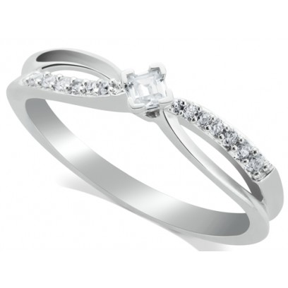 18ct White Gold Ladies Solitaire Ring Set with 0.11ct Princess Cut Diamond and 7 Diamonds on Each Shoulder